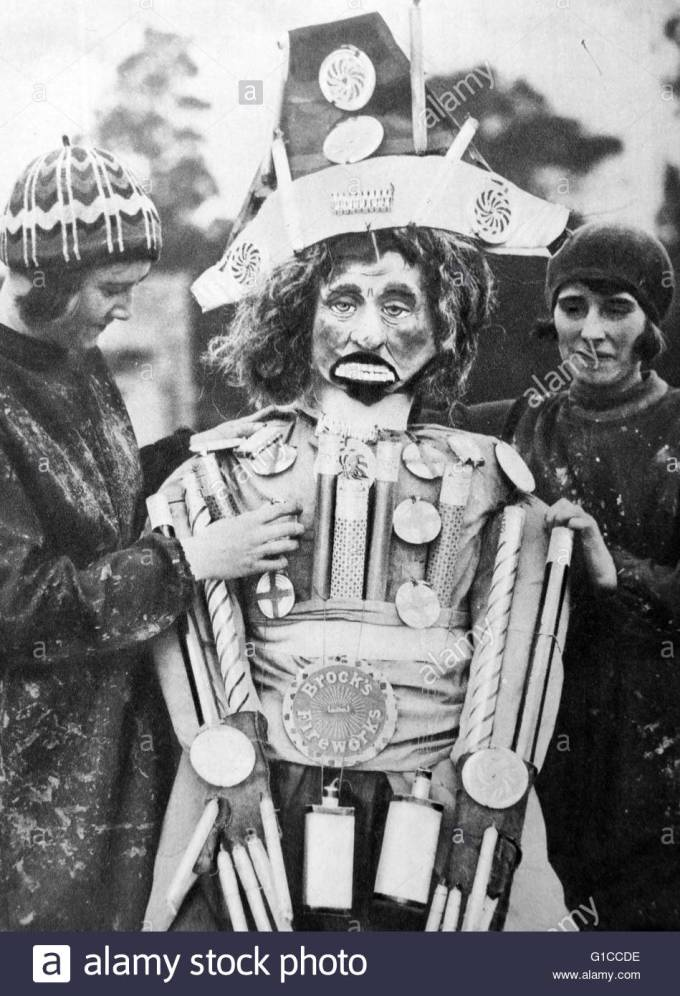 1920s-guy-fawkes-night-preparing-a-guy-made-up-from-fireworks-also-G1CCDE