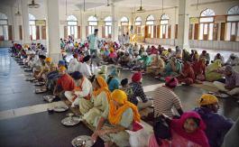 amritsar-golden-temple-free-kitchen