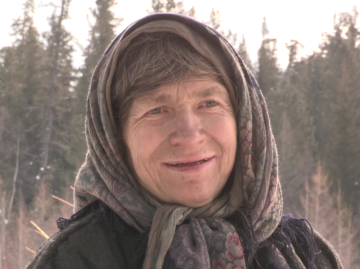 these-incredible-photos-show-one-70-year-old-womans-hermit-lifestyle-in-siberia