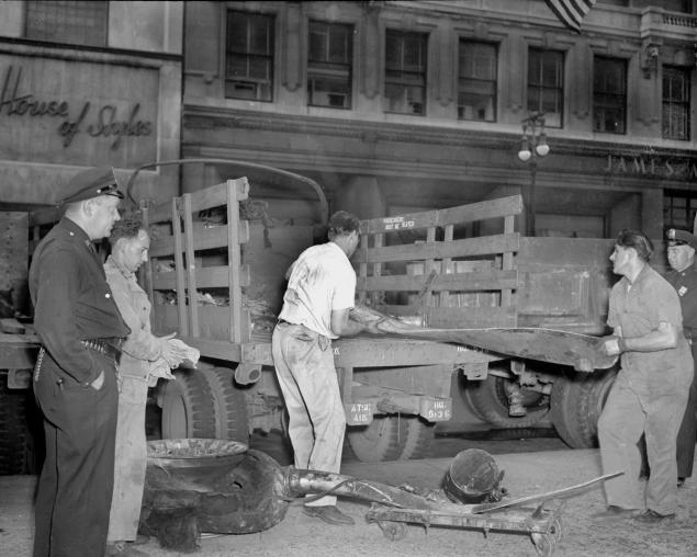 B-25 Empire State Building Crash (6).jpg