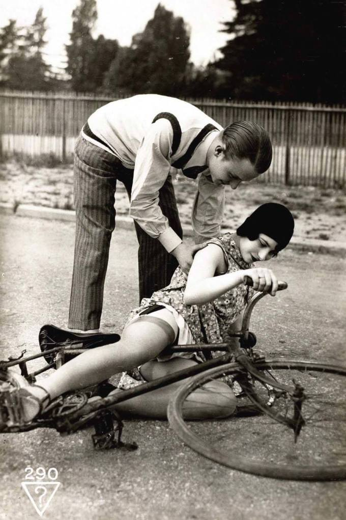 cheeky-postcards-1920s-bicycle