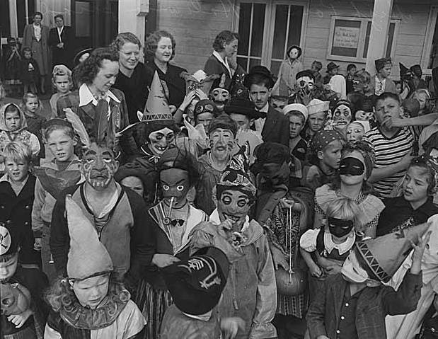 Children_in_Halloween_costumes_at_High_Point,_Seattle,_1943