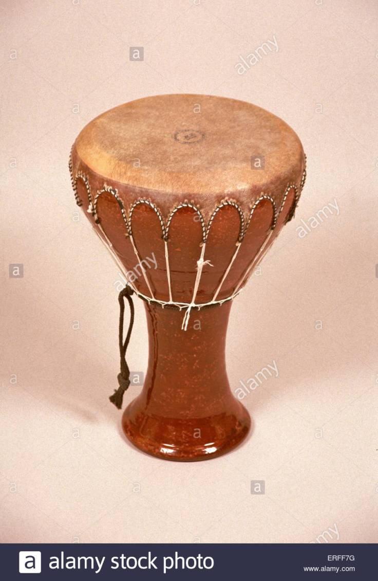 darabuka-egypt-drum-like-instrument-derbouka-ERFF7G