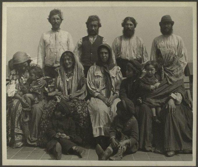 Serbian-Gypsies.jpg