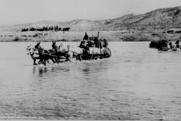 infantry-crossing-the-river