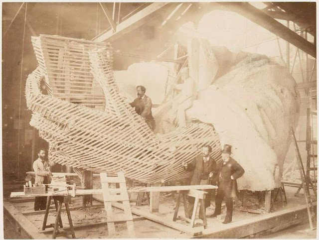 statue-of-liberty-under-construction-1883-6